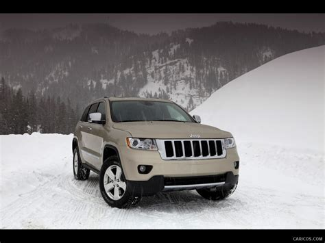 jeep snow wallpaper jeep grand cherokee 2011 on snow front angle