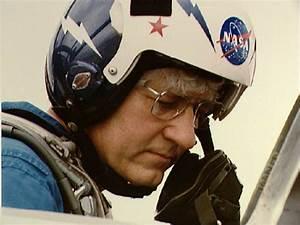 Former NASA astronaut Hank Hartsfield dies from ...