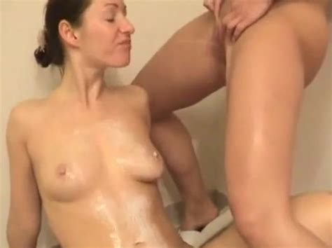 Nude Girls Pissing On Each Other Xxx Photo