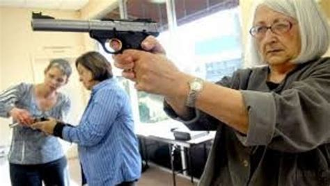 why teachers should not be armed
