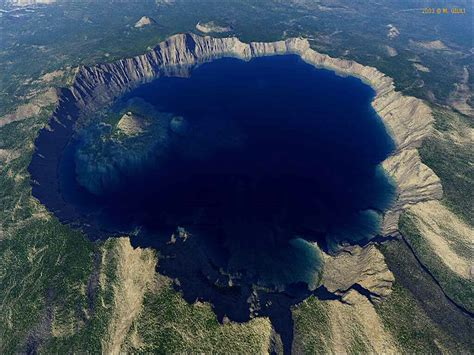 check out the immeasurable beauty of crater lake national