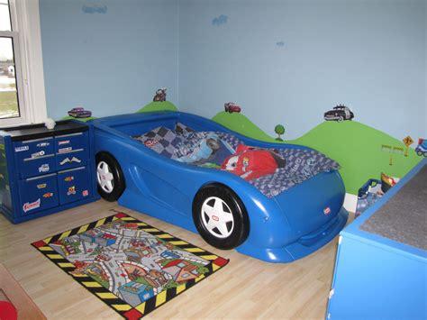 boys race car themed room twin size  tikes car bed
