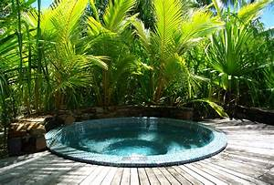 How to Choose the Outdoor Jacuzzi - TheyDesign.net ...