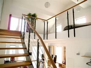 landhaus treppe galerie alle ideen uber home design With markise balkon mit tapeten für flur und treppenhaus