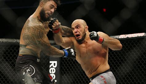 ufc  results ilir latifis wrestling hands tyson pedro