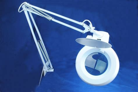 Magnifying Lamp Light With Stand 5 Diopter Mag Daylight