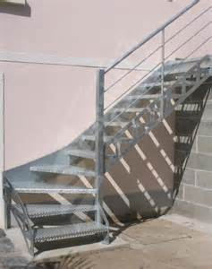 escalier tournant metallique occasion