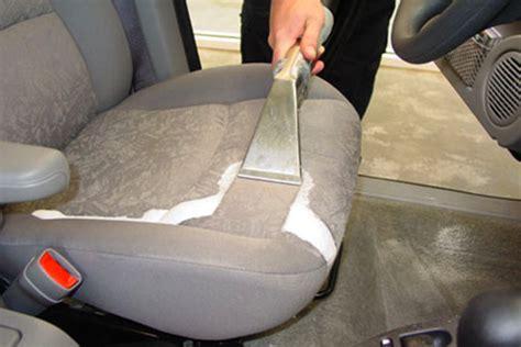lavage siege auto tissu comment nettoyer en profondeur les tissus de voiture