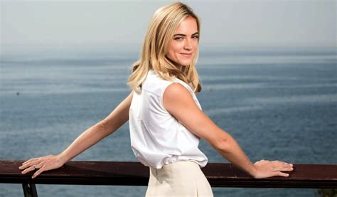 actress emily wickersham biography emily wickersham net worth know about her husband height