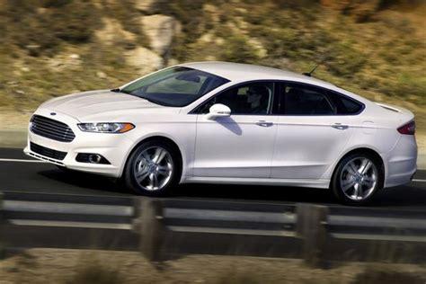 7 Luxury Cars Under $35,000 Autotrader