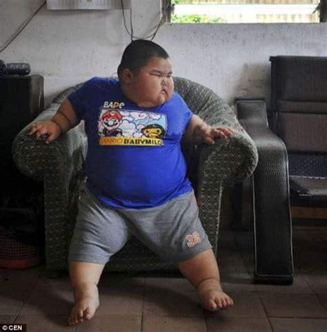 Fat Kid On Phone Meme - gordinho chin 234 s de 3 anos 233 expulso da creche por causa do sobrepeso mdig
