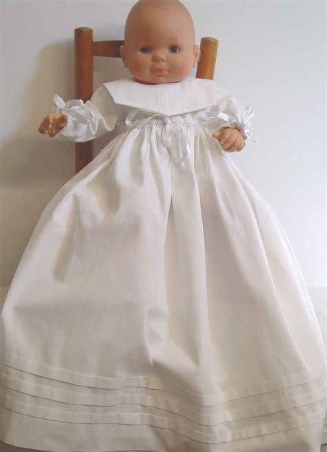 robe de bapteme bebe blanche traditionnelle en pique de