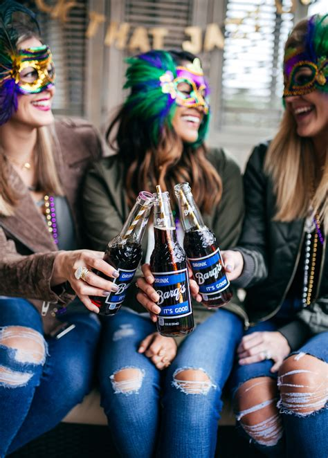 6 Things You Need To Throw The Perfect Mardi Gras Party