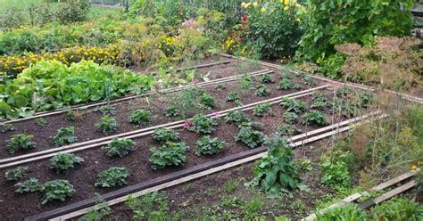 Gemüsegarten Anlegen Beispiele by Gem 252 Segarten Anlegen Ideen
