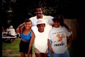 """Lisa """"Left Eye"""" Lopes with siblings and father TLC 4ever"""