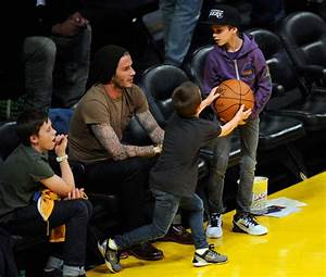 David Beckham Pictures - Celebrities At The Lakers Game ...