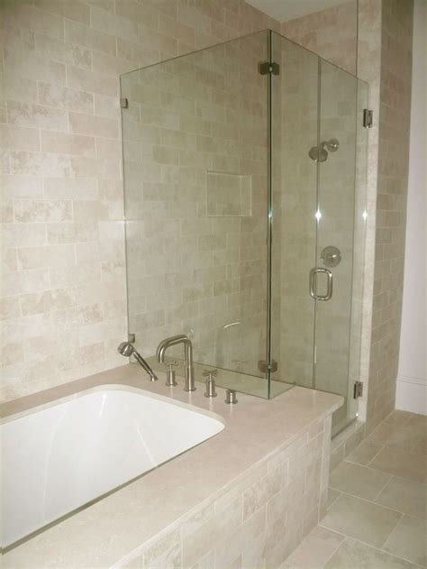 Tub And Shower Combo by 25 Best Ideas About Bathtub Shower Combo On
