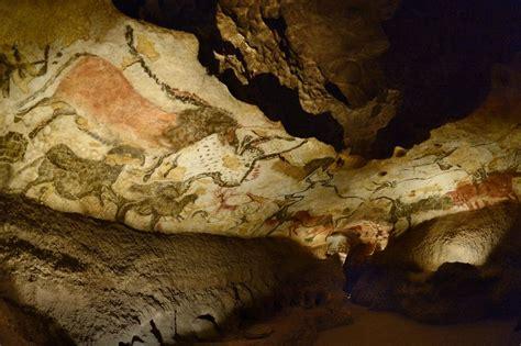 grotte de lascaux salle des taureaux fac simil 233 s la grotte de lascaux se donne de l air lib 233 ration
