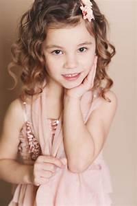 Coupe De Cheveux Fillette : coiffure pour petite fille 25 jolies coiffures parents ~ Melissatoandfro.com Idées de Décoration