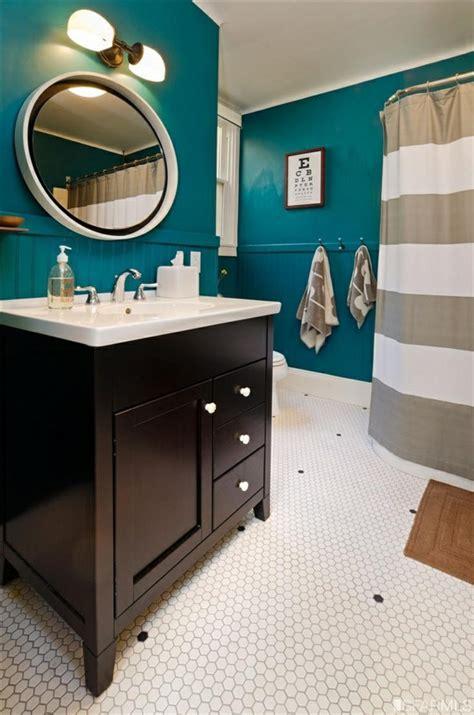 badezimmer deko petrol petrol farbe als wandfarbe und deko