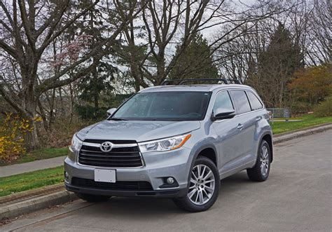 toyota highlander xle awd road test review  car