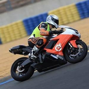 Circuit De Merignac : stage de pilotage moto circuit de bordeaux m rignac ~ Medecine-chirurgie-esthetiques.com Avis de Voitures