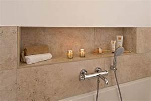 Dusche In Der Küche : nische in der dusche schafft abstellfl che badamaturen in 2019 bathroom home decor und decor ~ Watch28wear.com Haus und Dekorationen