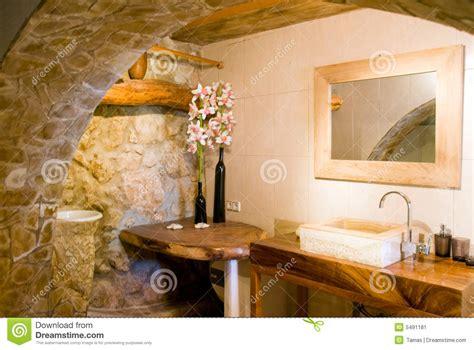 salle de bain rustique rustieke badkamers in goud stock afbeelding afbeelding bestaande uit steen 5491181