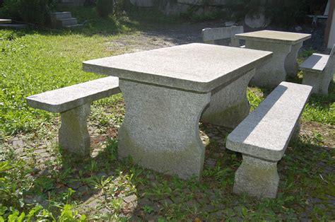 garten steintisch granittisch und bank aus tessiner naturstein gartentisch