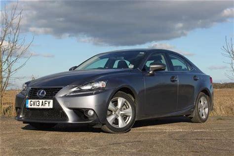 Lexus Is Saloon 300h Se (navigation) 4d Cvt Auto Road Test
