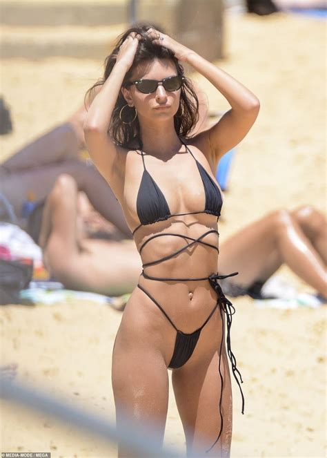 Pin on Emily Ratajkowski