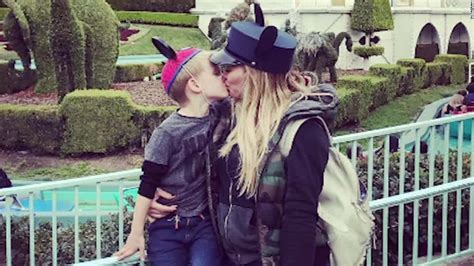 actress kiss child actress criticized for kissing son on lips cnn video