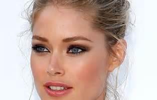 Comment mettre en valeur des yeux couleur noisette? Cristina Cordula