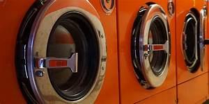 Geruch In Der Waschmaschine : w sche stinkt nach dem waschen tipps gegen den geruch gutefrage ~ Watch28wear.com Haus und Dekorationen