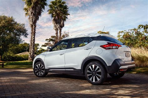 nissan kicks suv  pictures auto express