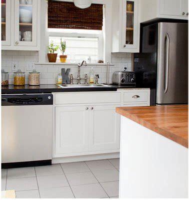 cuisine blanche sol gris 20 idées déco pour une cuisine grise deco cool com