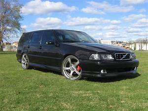 1999 Volvo V70 - Overview