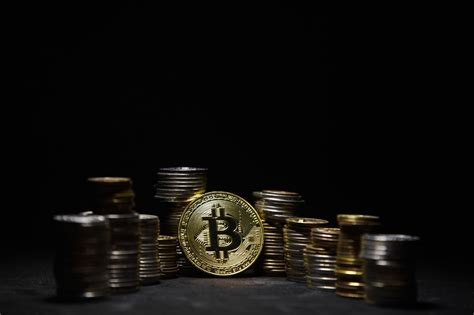 Such a statement has been made by the company's ceo larry fink at the new york times dealbook conference. Larry Fink: Not The Right Time To Introduce Bitcoin ETFs Yet • NEWCONOMY