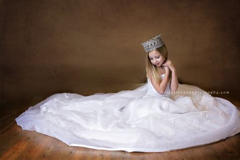 Wedding Dresses For Girls : Daughters In Their Mothers Wedding Dresses