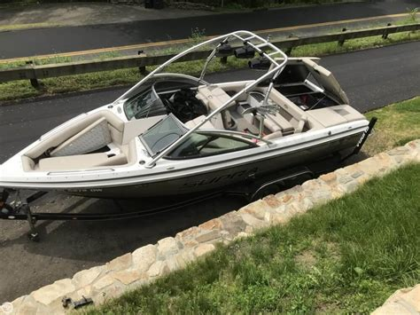 Used Bowrider Boats For Sale In Ct by Used Ski And Wakeboard Boats For Sale In Connecticut