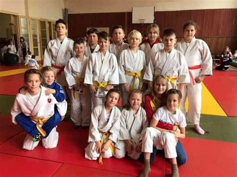 Deväť medailí džudistov Junioru - SME   MY Novohrad
