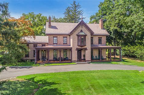 A South Nyack Mansion Delivers Old Time Charm