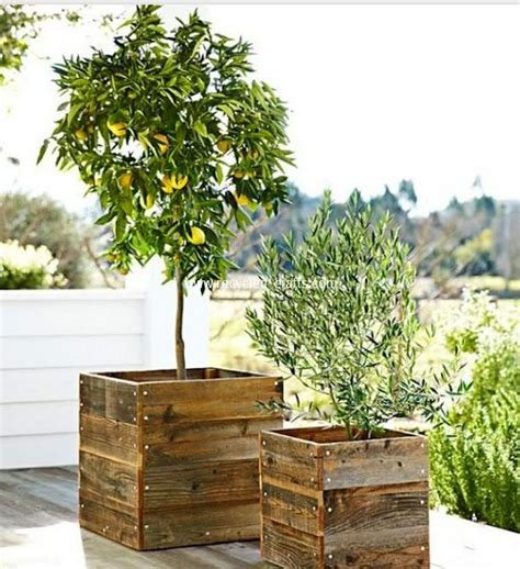 pallet planter box planter boxes out of pallets recycled things