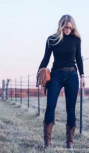 High waisted jeans outfit with cowboy boots and black turtleneck | Winter/Fall cowgirl boot ...