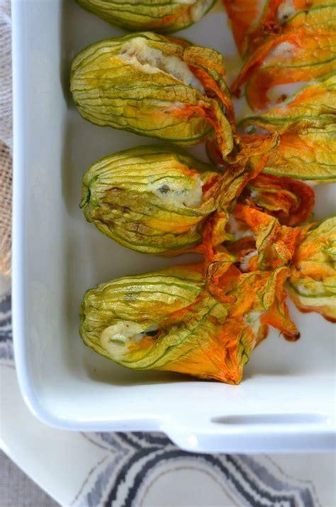 fleurs de ciboulette en cuisine fleurs de courgettes au four farcies à la ricotta