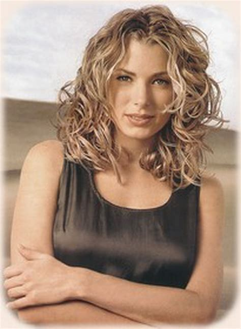 Hairstyles For Medium Length Hair by Curly Hairstyles For Medium Length Hair