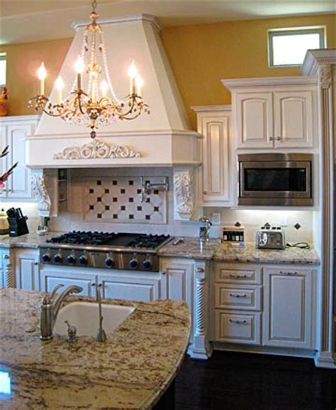Custom Kitchen Cabinets from Darryn's Custom Cabinets