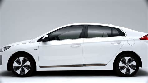 Hyundai In by Hyundai Ioniq Electric In Hybrid 2017 Exterior Image