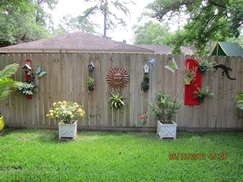 backyard fence decorating ideas 1000 images about wooden fence decor on yard