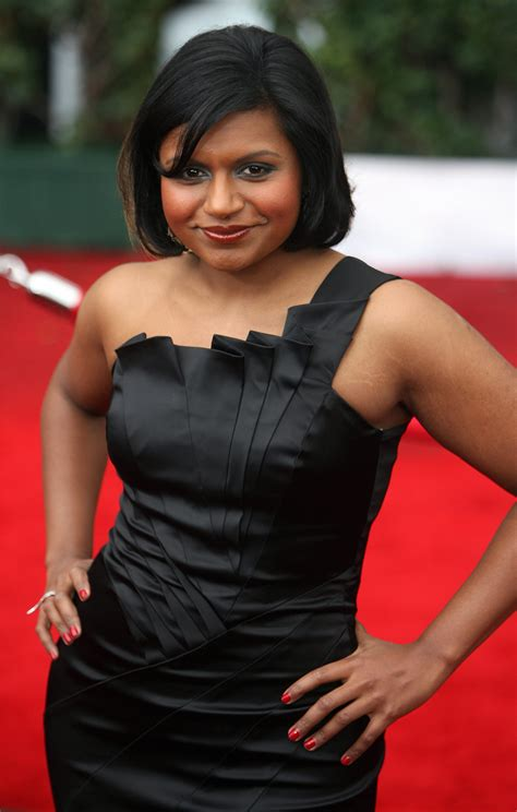 30 mindy kaling hair styles because her new ombre do isn